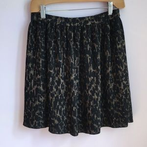 H&M Pleated Leopard Print Skirt
